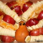 How NOT to Make a Turkey-Shaped Fruit Salad