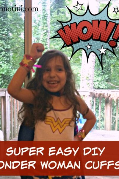 These easy, DIY Wonder Woman cuffs are simple to make and kid-friendly. Plus, they won't fall of your little super hero's wrists. Read my tips and tricks to see why! Super Hero crafts | Kid crafts |upcycled crafts