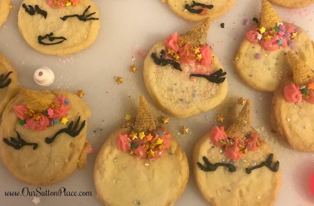 closeup of sleepy eye unicorn cookies