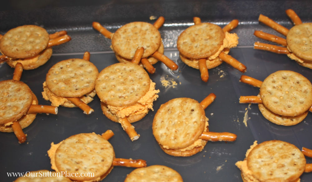 lots of spider crackers