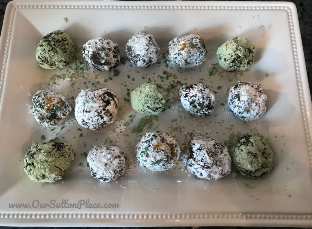 Thin Mint Energy Balls in Powder