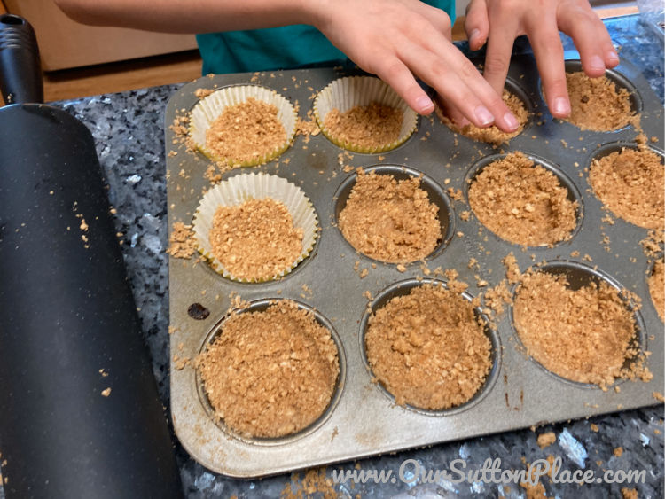 making the graham cracker crust